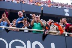 Supportrarna på laen Liga matchar mellan Valencia CF och FCet Barcelona på Mestalla Royaltyfri Fotografi