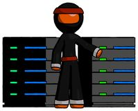 Supports oranges de serveur de Ninja Warrior Man With, en Front Of Two Netw Image stock