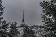 Sur des pentes de colline Jested dans l'horaire d'hiver Images libres de droits