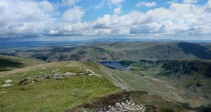 Sur Kidsty Pike regardant à Haweswater Photos stock