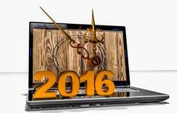 Sur l'écran d'ordinateur portable les horloges indiquent l'approche de la nouvelle année Photos libres de droits