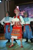 Sur l'étape sont les danseurs et les chanteurs, les acteurs, les membres de choeur, les danseurs du corps de ballet et les solist Photo stock