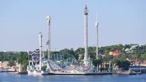 Sur l'île de DjurgÃ¥rden, parc d'attractions à Stockholm banque de vidéos