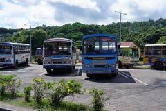 Sur l'île de Rodriguez en l'autobus vous pouvez atteindre tous les règlements principaux photo stock