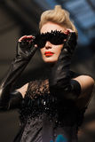 Sur l'aura vendez le défilé de mode 2012 d'été de source de vu Photo libre de droits