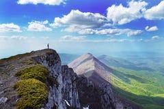 Sur la crête de montagne Photo libre de droits