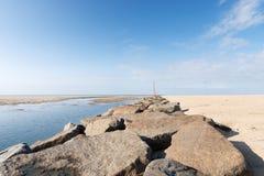 Sur la plage de Portbail, la Normandie, France à marée basse Image libre de droits