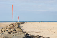 Sur la plage de Portbail, la Normandie, France à marée basse Photos stock