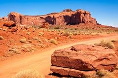 Sur la route par la vallée de monument Photo libre de droits