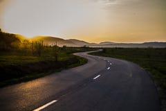 Sur la route sinueuse encore Images libres de droits