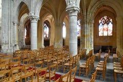 Sur la Seine, France de Triel - 12 juin 2016 : saint pittoresque Marti photographie stock