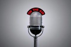 Sur le microphone d'air Photo libre de droits