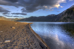 Sur le rivage du lac pend Oreille Image libre de droits
