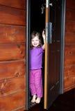 Sur le seuil de l'enfance photographie stock libre de droits