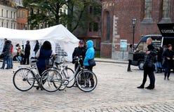 Sur le soixante-quinzième anniversaire du festival de John Lennon à Riga images stock