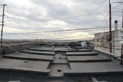 Sur le toit du gratte-ciel soviétique photo libre de droits
