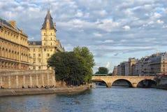 Sur les banques de la Seine Photos stock