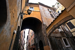 Sur les rues de Rome photographie stock libre de droits