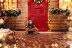 Sur un porche en bois photo stock