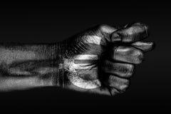 Sur une main avec un euro signe tir?, une figue est d?peinte, un signe de l'agression russe, le d?saccord, refus, sur un fond fon illustration libre de droits