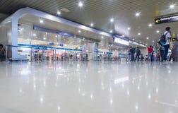 SURABAYA INDONESIEN - mars 25, 2016: Surabaya Juanda internationell flygplats - intierior Surabaya East Java Royaltyfri Fotografi