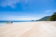 Surat Thani 14 juni 2016:: Härlig ställeSairee strand i Ko Royaltyfri Foto