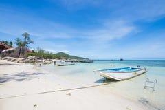 Surat Thani 14 juni 2016:: Härlig ställeSairee strand i Ko Arkivbild