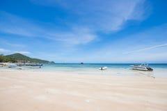 Surat Thani 14 juni 2016:: Härlig ställeSairee strand i Ko Royaltyfria Foton