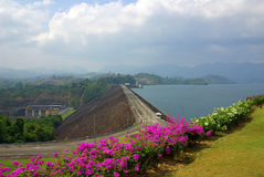SURAT THANI, THAILAND - January 19, 2014: Ratchaprapha Dam in Kh Royalty Free Stock Images