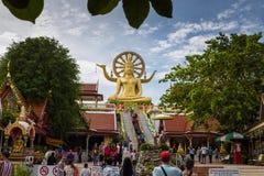 Suratthani, Thailand - December 31: Bezoekers aan Boedha imag Stock Afbeelding