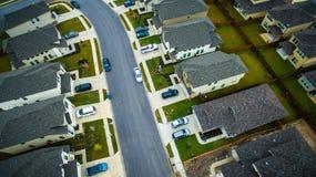 Surburbia aéreo sobre a comunidade Austin Texas da vizinhança das casas Imagem de Stock