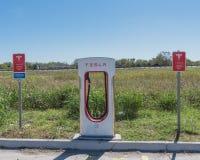 Surchauffeur de Tesla dans Flatonia, le Texas, Etats-Unis Photos libres de droits