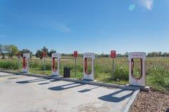 Surchauffeur de Tesla dans Flatonia, le Texas, Etats-Unis Images libres de droits