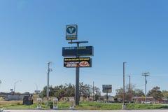 Surchauffeur de Tesla dans Flatonia, le Texas, Etats-Unis Photo libre de droits