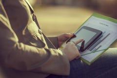 surfa för internet Fotografering för Bildbyråer