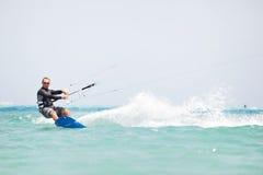 surfa för kiteboarder Arkivbilder
