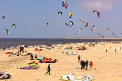 surfa för stranddrake Arkivbilder