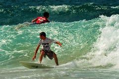 Surfa för våg Royaltyfri Fotografi