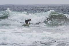 Surfa i Kalifornien Arkivfoto