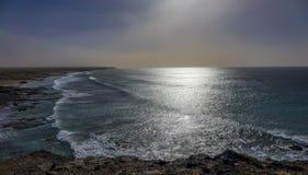 Surfa stranden i Las Palmaskanariefågeln Isla för El Cotillo Fuerteventura Royaltyfri Bild