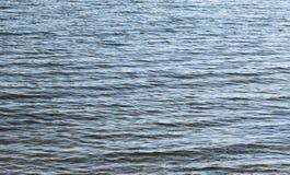 Surface bleue de mer images stock