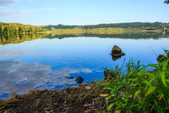 Surface calme d'étang Image stock