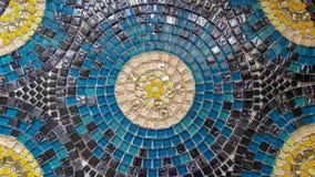 Surface colorée lumineuse de table de mosaïque photographie stock libre de droits