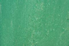 Surface criquée de fer peinte par vert de fond de texture photos stock