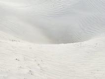 Surface de désert avec des vagues de sable, texture Photo stock