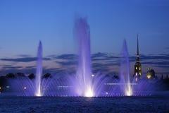 surface de fleuve de fontaine Photos stock