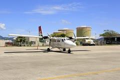 Surface des lignes aériennes locales à l'aéroport international des Seychelles sur Mahe Island Photo libre de droits