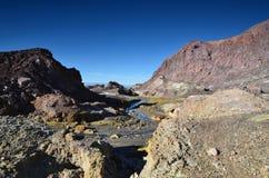 Surface du cratère d'un volcan actif Quelque part en Nouvelle Zélande Photographie stock