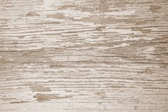 Surface en bois avec des fissures et ?plucher la peinture blanche photo stock