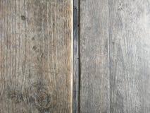 Surface en bois brun clair, grain en bois profond, vieux bois sec, rayures horizontales images libres de droits
